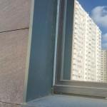 Монтаж оконного обрамления вентилируемого фасада